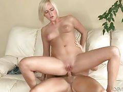 Teen sweetie and horny man perform awesome anal fucking.